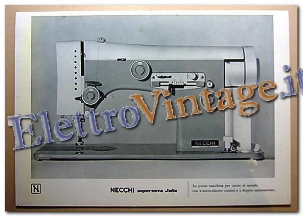 Vetrina macchine da cucire for Macchine necchi prezzi